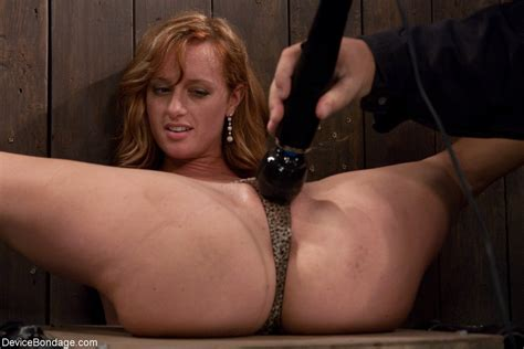 Redhead Ariel Kink Gets Her Nipples Pussy And Feet