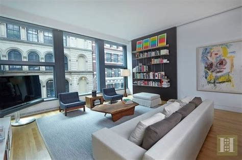 Nyc Apartment Laws by Daniel Radcliffe S Nyc Apartment See The Home Where Harry