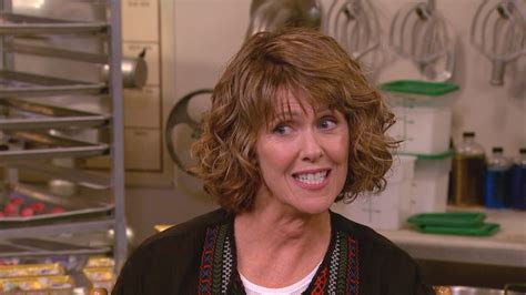 exclusive mork mindy star pam dawber  staying