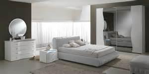 Camera da letto glamour e retro mod? collection