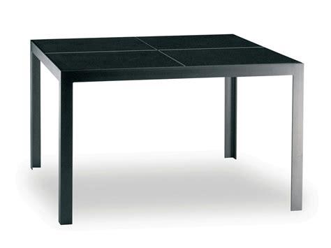 table carree 140 x 140 nimio 140 table by fueradentro design hendrik steenbakkers