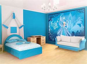Cute Blue And White Paint Scheme Teen Bedroom Design With