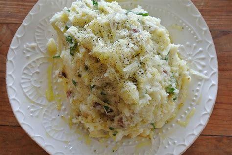 Tom cenó pastel de carne y puré. crisped spanish chorizo & two-cheese mashed potatoes Recipe on Food52