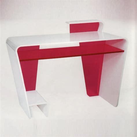 bureau plexiglas meubles en plexiglas design par les meilleurs créateurs