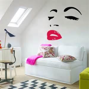 Living Room Decorating Idea Photo