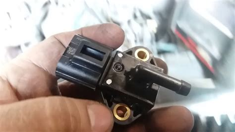 p fuel rail pressure sensor youtube