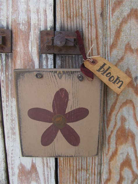 primitive flower daisy hand painted  wooden sign plaque
