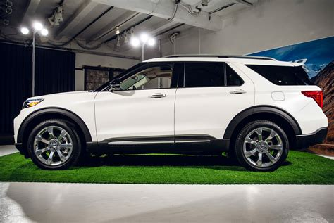 2020 Ford Explorer Xlt Price by The 2020 Ford Explorer Is All New From The Ground Up