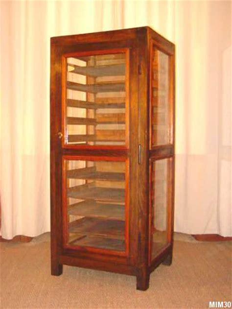 meuble de cuisine rangement armoire vitrée ancien meuble d 39 imprimerie
