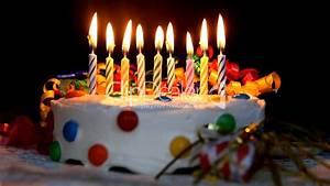 Geburtstagstorte: Lizenzfreie Stock Videos und Clips