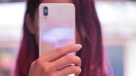 Pink Gold Huawei P20 hands-on: A beautifully subtle