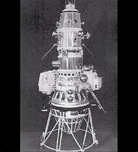 First Spacecraft to Orbit Moon - This Day in Tech History