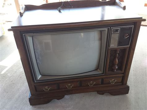 Vintage Tv Cabinet Turned Dog Bed Antique Car Museum Hershey Antiques Close To Me Chinese Jars Pa Ceiling Tile Curio Cabinet Arts And Weekly How Appraise