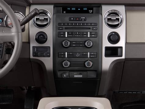 image  ford   wd supercrew  xlt instrument