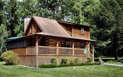 pet friendly cabins in gatlinburg 100 2 bedroom smoky mountain cabin anglers homeaway