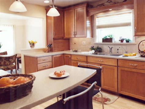 50 s kitchen design transforming a 50s kitchen hgtv 1107