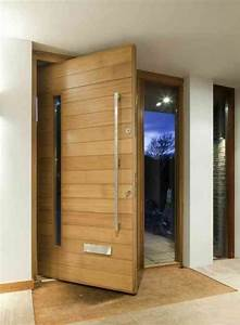 les 25 meilleures idees concernant portes pivotantes sur With porte d entrée pvc avec béton ciré mur salle de bain