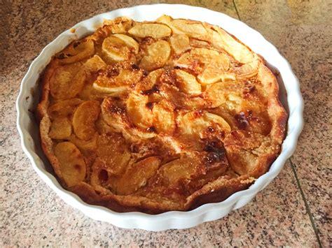 cuisine clafoutis aux pommes recette de clafoutis aux pommes et au beurre salé