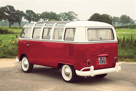 21-window Deluxe Volkswagen Type 2