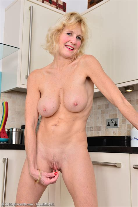 Mature Pictures Featuring Year Old Molly Maracas From
