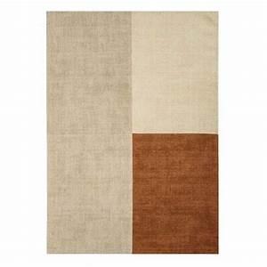 tapis design en laine beige et marron a formes geometriques With tapis laine design
