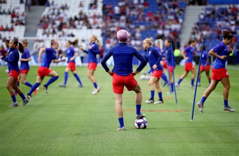 Megan Rapinoe doesn't play in U.S.-England World Cup ...