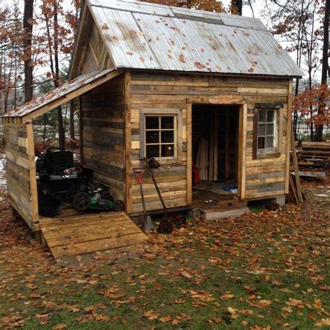 wooden pallet shed  images pallet building