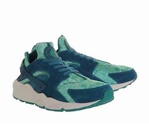 Nike Huarache white blue green