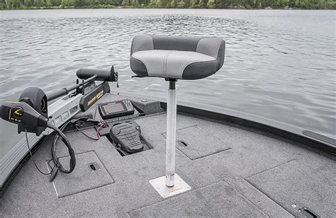 Seat Pedestal For Bass Boat by Crestliner 1750 Bass Hawk V Hull Fishing Boat With Bass