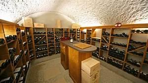 Cave À Vin Enterrée : cave vin enterr e b ton pointcav construction ~ Nature-et-papiers.com Idées de Décoration