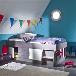 Lit Une Place Avec Rangement : lit pour chambre de fille lit original pour am nager une chambre de fille lit voiture lit ~ Teatrodelosmanantiales.com Idées de Décoration