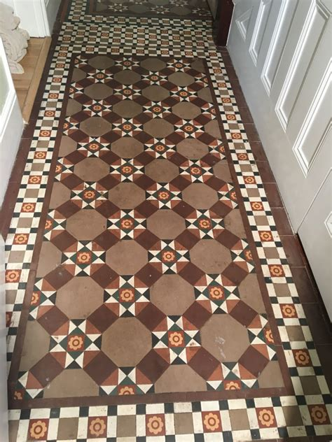 Original Victorian Tiled Hallway Brought Back to Life at