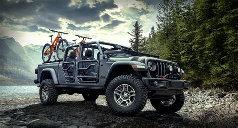 Lift Kit For 2020 Jeep Gladiator by The 2020 Jeep Gladiator Parades New Upgrades From Mopar In