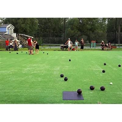 Lawn bowling in Toronto