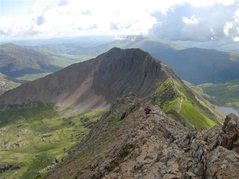 COURSE 3: Classic Snowdon Scrambles - Mountaineering Joe ...