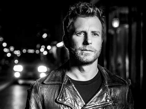 """Dierks Bentley Sees The Light With New """"black"""" Album"""