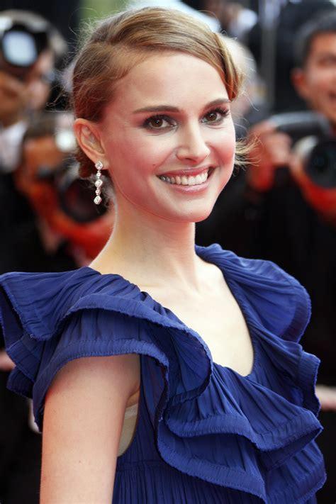 Natalie Portman Covers Elle France Looks Like