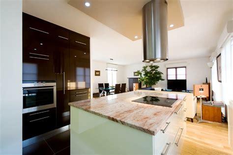 bureau bibliothèque intégré cuisine design classique et marbre poli armony cucine