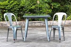 Chaise Metal Tolix : chaise industrielle multipl 39 s ~ Teatrodelosmanantiales.com Idées de Décoration
