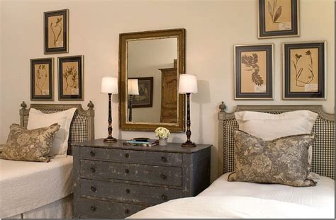Guest Bedrooms With Captivating Twin Bed Designs