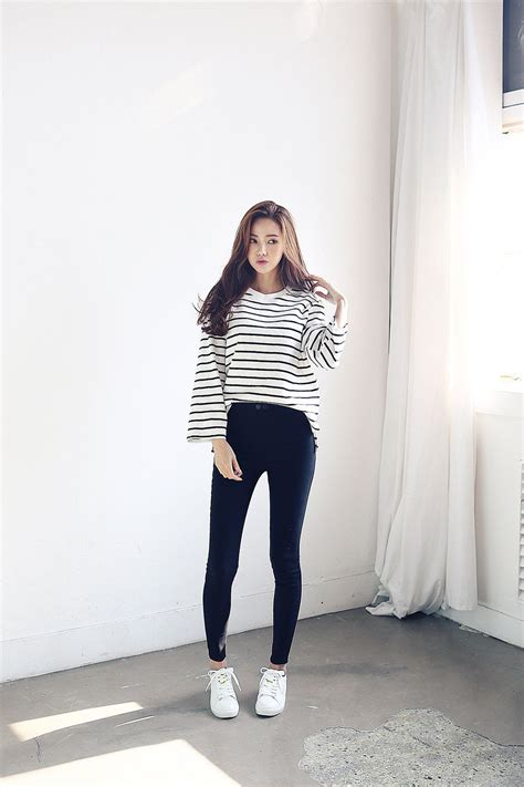 Stripe Wide Sleeve Tee | kfashion | Pinterest | Respect Korean and Korean fashion