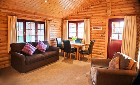 luxury log cabins bamburgh luxury log cabin northumbrian holidays
