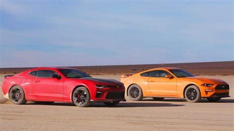 Camaro Ss Vs Mustang Gt by Mustang Gt Vs Camaro Ss 1le Desert Drag Race Showdown