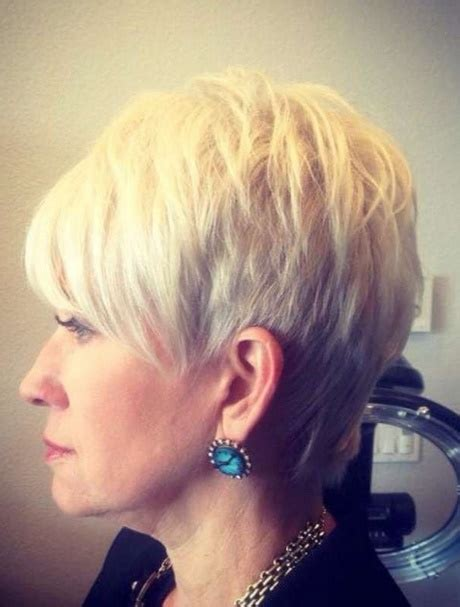 korta frisyrer aeldre kvinnor