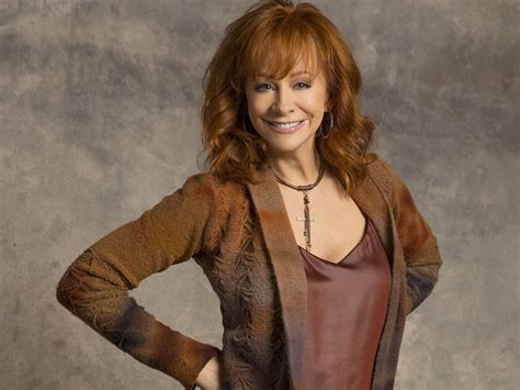 reba mcentire new tv show reba mcentire s new tv project gets green light from abc