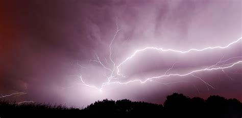 File:2012-08-01 22-29-07-orage.jpg - Wikimedia Commons