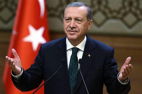 Президент турции реджеп тайип эрдоган раскритиковал слова американского лидера джо байдена о президенте россии владимире путине, назвав их недопустимыми. President Erdogan wins Turkey referendum