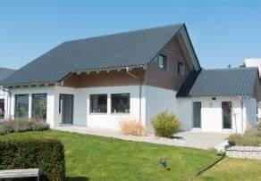 Nebenkosten Eines Einfamilienhauses : einfamilienhaus planen massivhaus oder fertighaus ~ Markanthonyermac.com Haus und Dekorationen