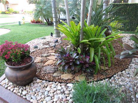 Backyard Landscaping Ideas With Rocks by Fla Rock Garden Landscape