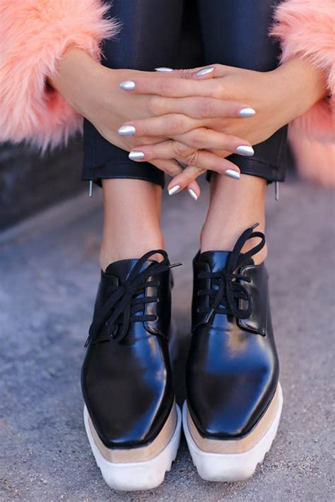 Tips on How and What With To Wear Platform Shoes | Fashionisers